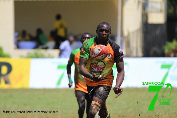 Philip Kwame of Nakuru passes the ball in Dala